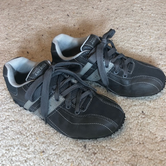 b4e75f7279 YOUTH Perry Ellis Dress Shoes Sneakers. M 5b00690d85e605f85b0d4814